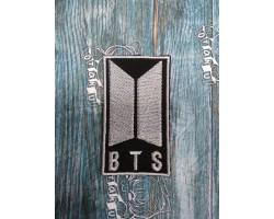 """Нашивка вышитая лого группы """"BTS"""" черно-белая"""